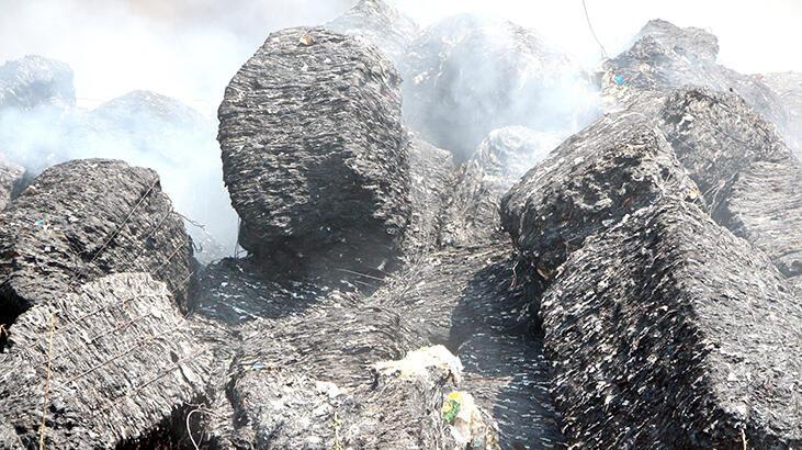 Adana'da geri dönüşüm tesisindeki yangın 12 saatte kontrol altında