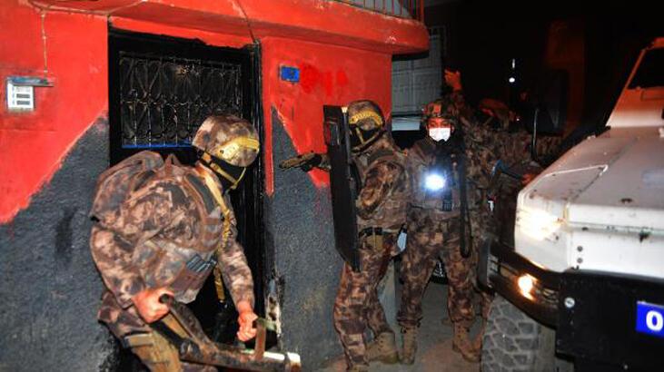 Adana'da suç örgütüne şafak baskını