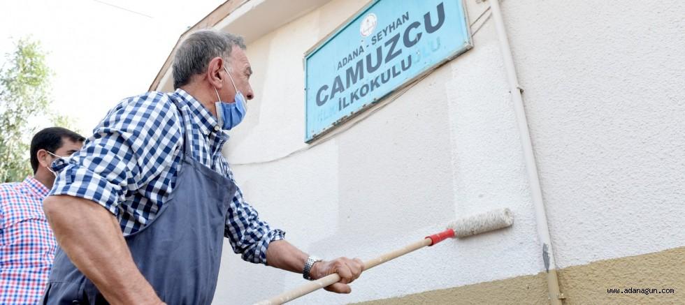 Başkan Akay çocuklar için boya yaptı